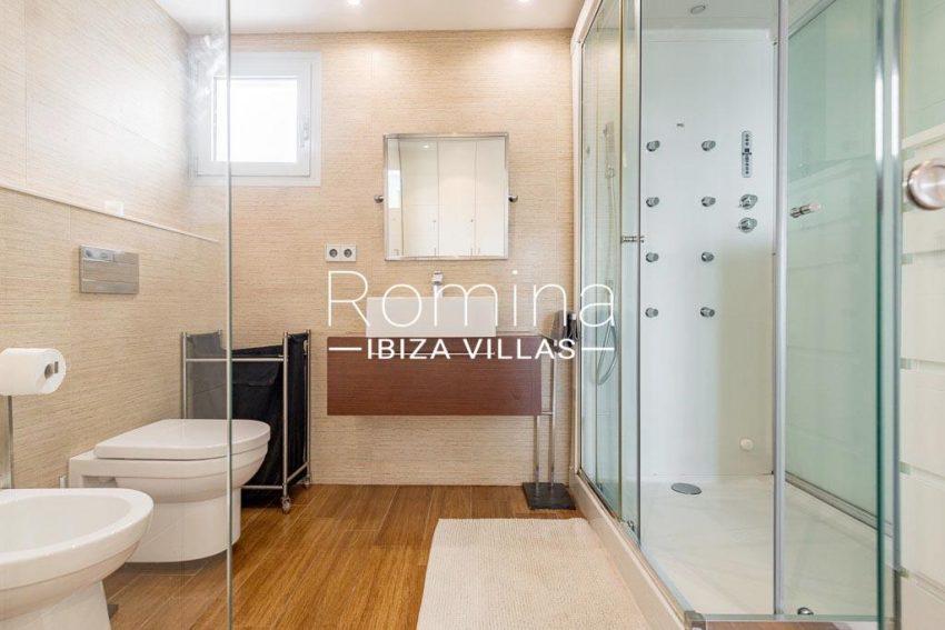 romina-ibiza-villas-rv-758-47-atico-floris-5shower room1