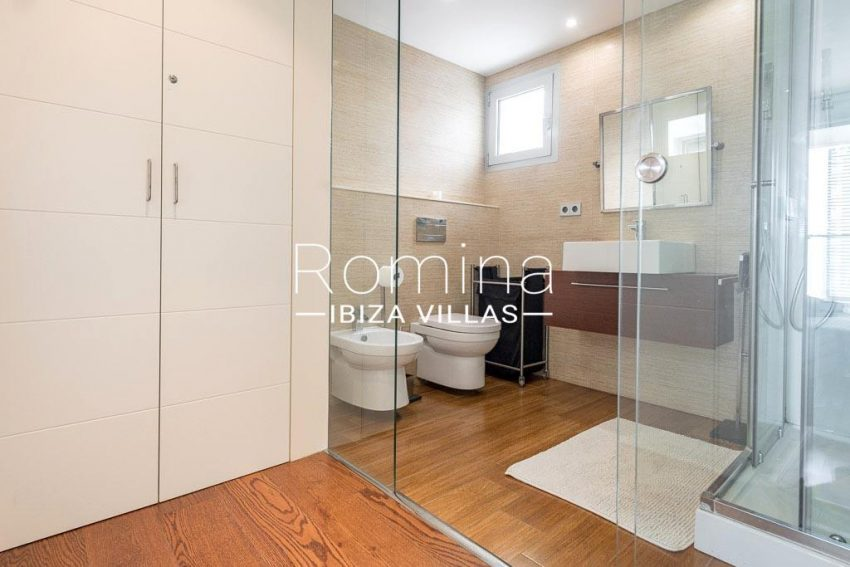 romina-ibiza-villas-rv-758-47-atico-floris-5shower room1bis