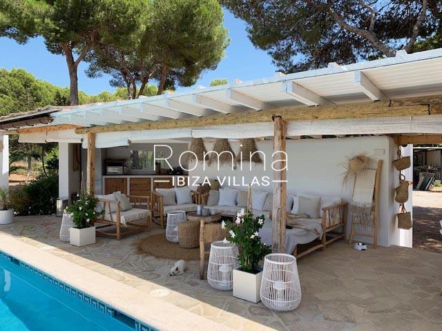 romina-ibiza-villa-rv-764-81-villa-origan-2pool porche sitting area