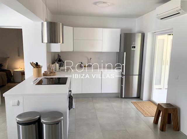 romina-ibiza-villa-rv-764-81-villa-origan-3zkitchen