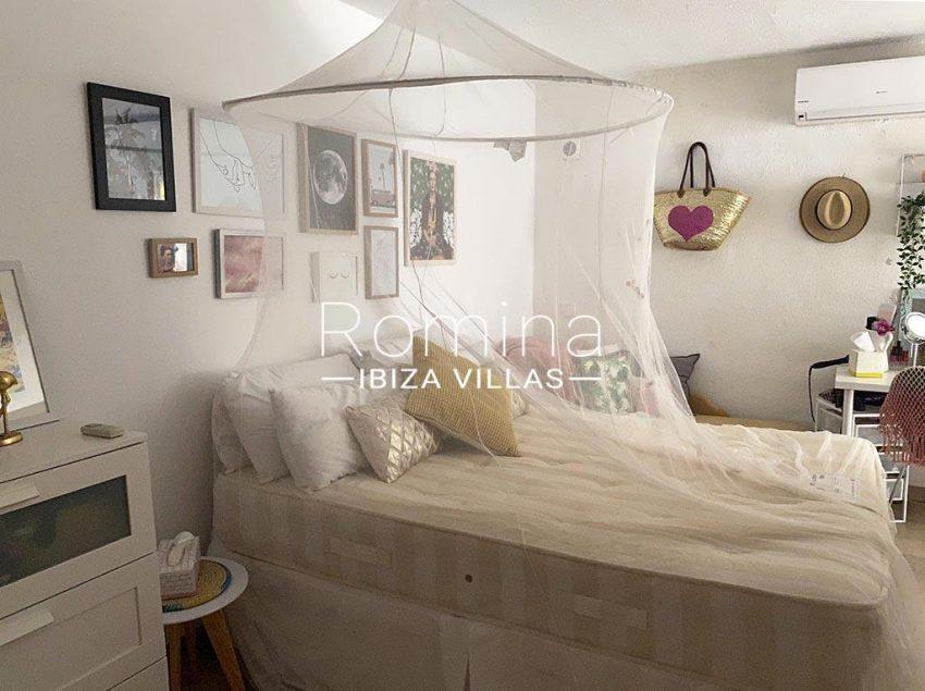 romina-ibiza-villas-rv-755-81-villa-yanam-4bedroom2