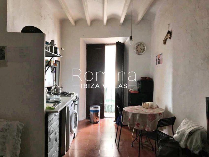 romina-ibiza-villas-rv-759-01-apto-basil-3zkitchen