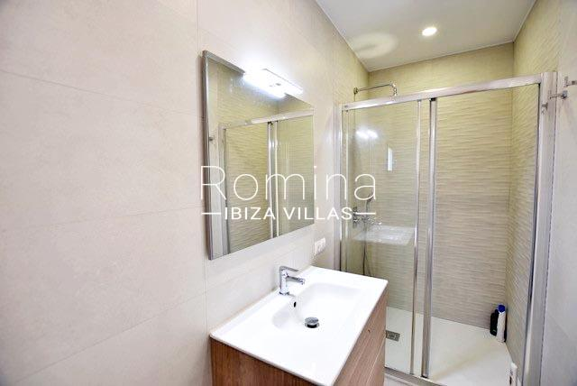 romina-ibiza-villas-rv-761-54-villa-maya-5shower room