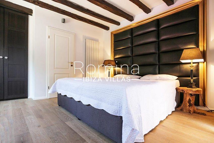 romina-ibiza-villas-rv-763-71-villa-cigalia-4bedroom3
