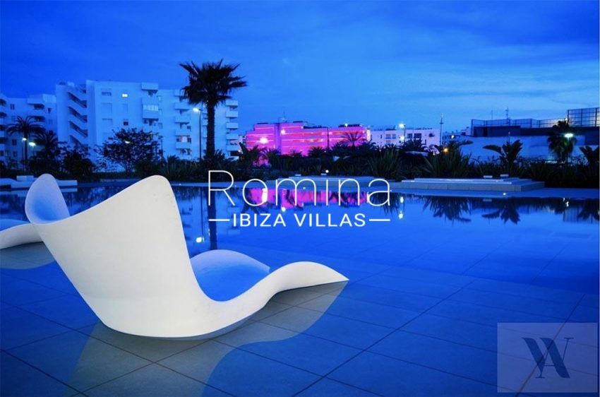 romina-ibiza-villas-rv-766-13-apto-orquidea-2pool by night