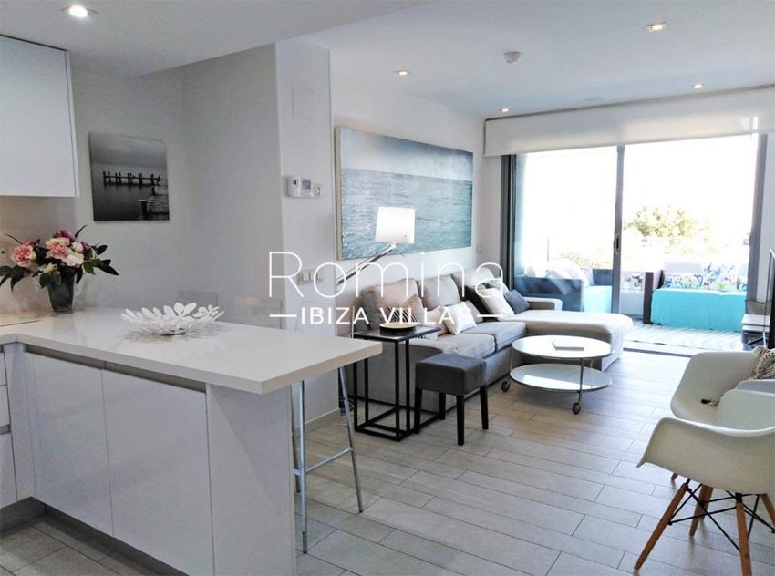 romina-ibiza-villas-rv-766-13-apto-orquidea-3living room kitchen