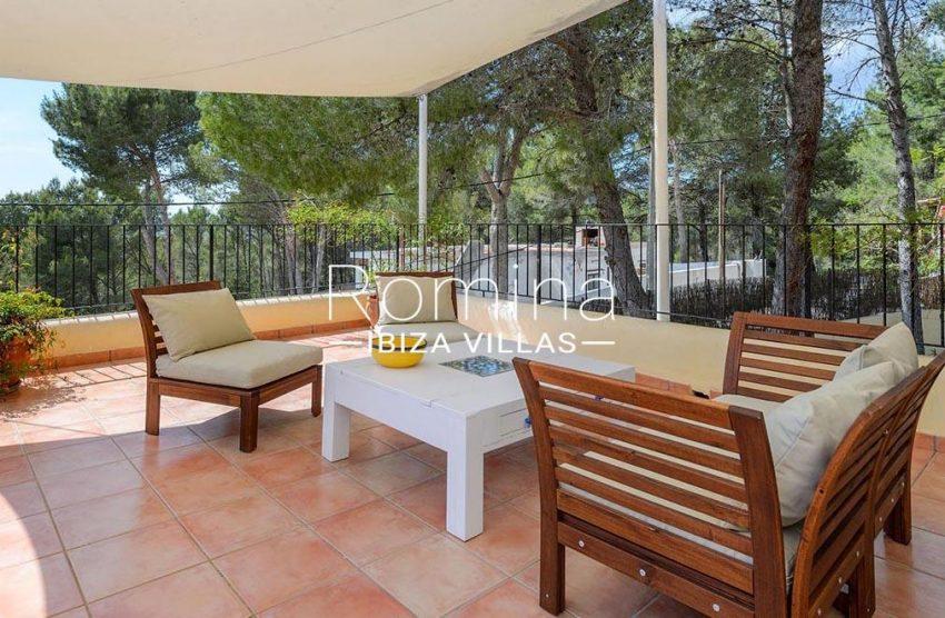romina-biza-villas-rv-775-51-villa-sarga-2upper terrace sitting area2 bedroom1