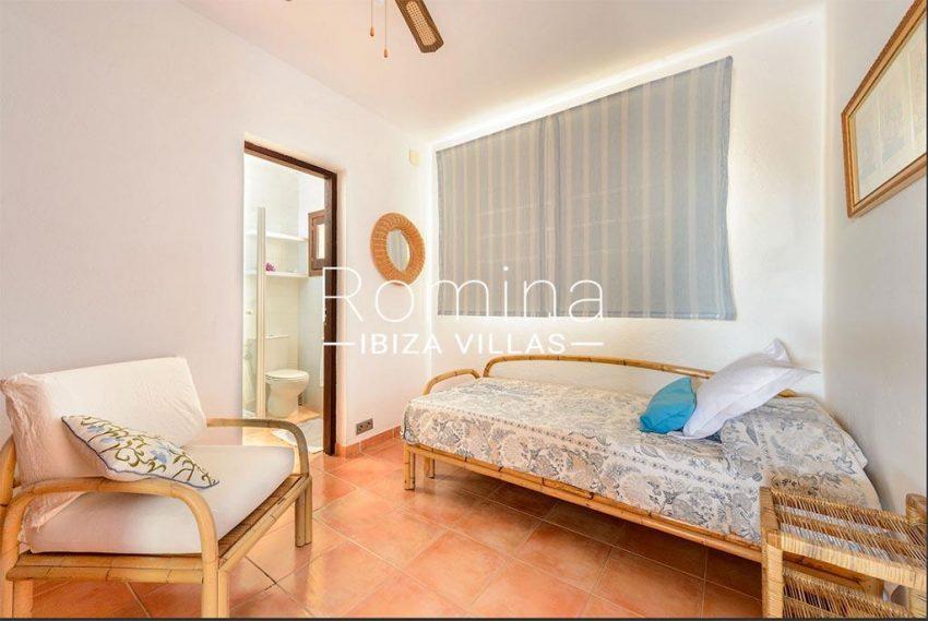romina-biza-villas-rv-775-51-villa-sarga-4bedroom single bed