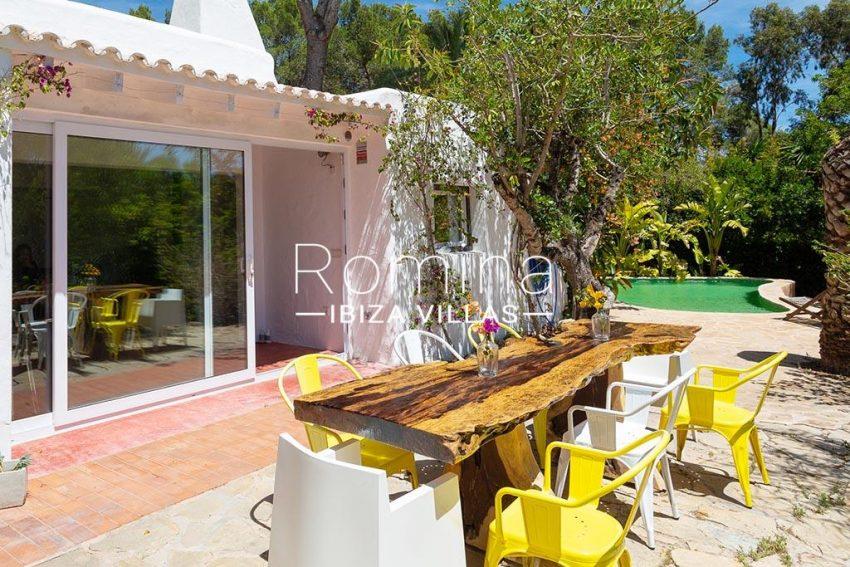 romina-ibiza-villas-rv-722-51-villa-denver-2terrace dining area4