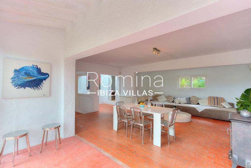 romina-ibiza-villas-rv-722-51-villa-denver-3sitting dining area