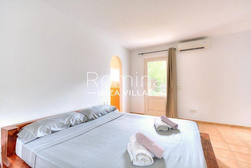romina-ibiza-villas-rv-722-51-villa-denver-4bedroom3ter