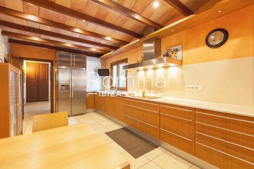 romina-ibiza-villas-rv-770-51-villa-akala-3zkitchen dining area