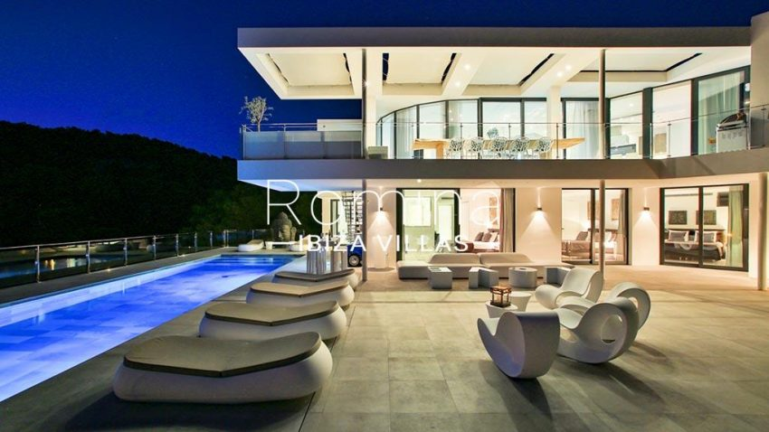 romina-ibiza-villas-rv-771-79-villa-calista-2pool facade terrace by night