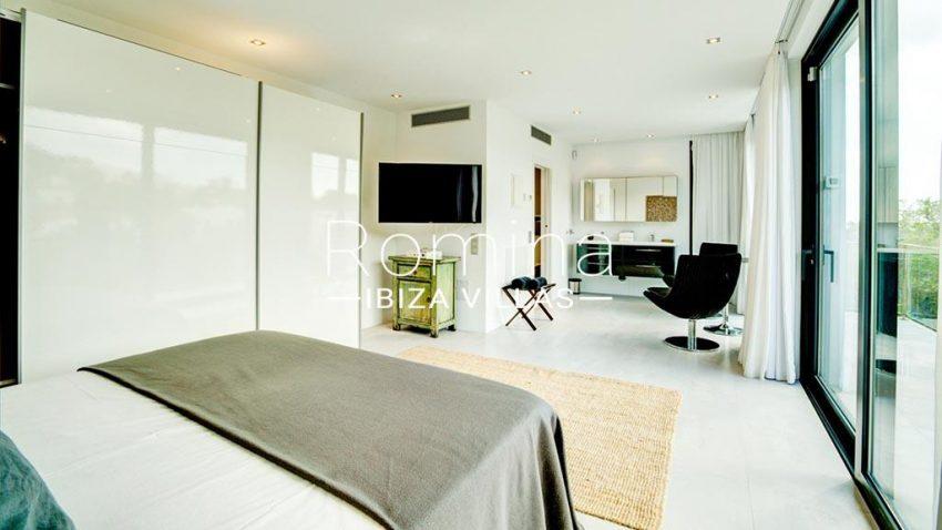 romina-ibiza-villas-rv-771-79-villa-calista-4bedroom5 bathroom