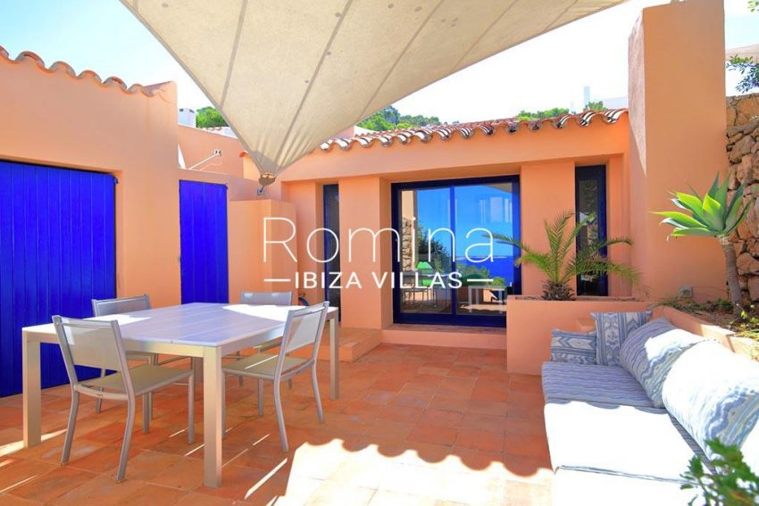 romina-ibiza-villas-rv-773-01-villa-capri-2patio sitting dining area