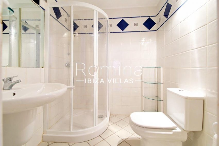 romina-ibiza-villas-rv-773-01-villa-capri-5shower room2