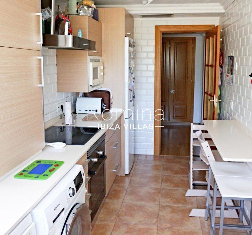 romina-ibiza-villas-rv-778-55-apto-argi-3zkitchen2