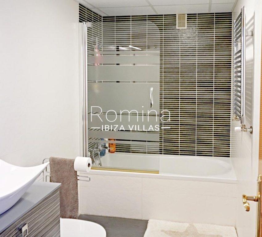 romina-ibiza-villas-rv-778-55-apto-argi-5bathroombis