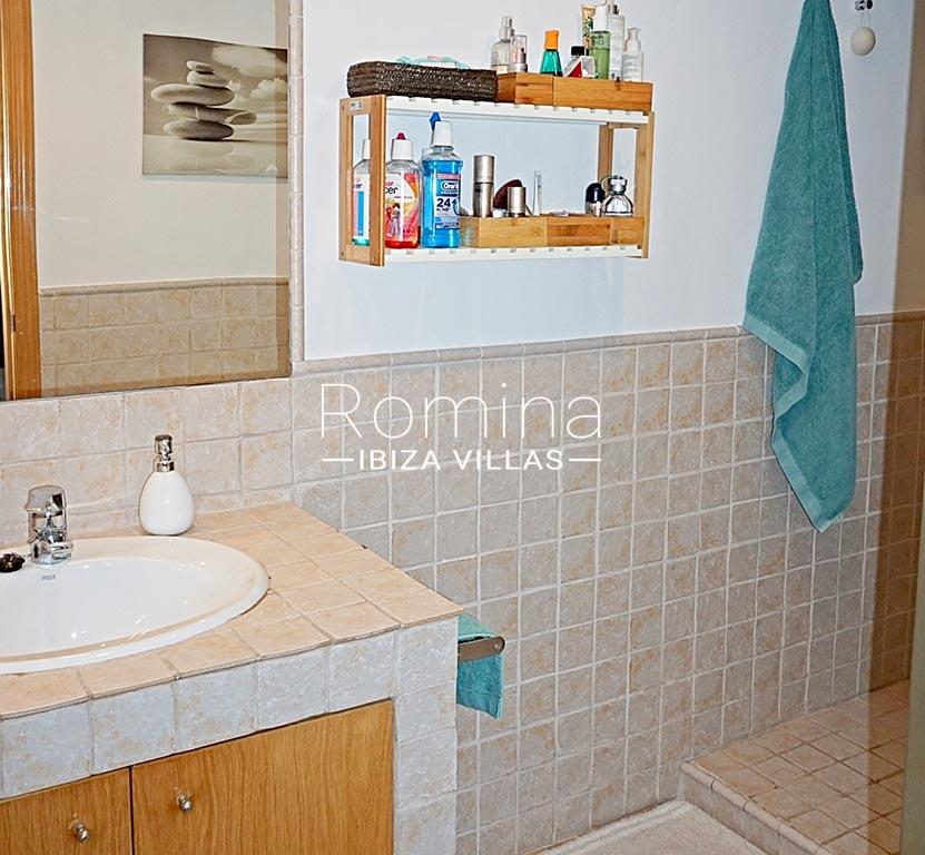romina-ibiza-villas-rv-778-55-apto-argi-5shower room