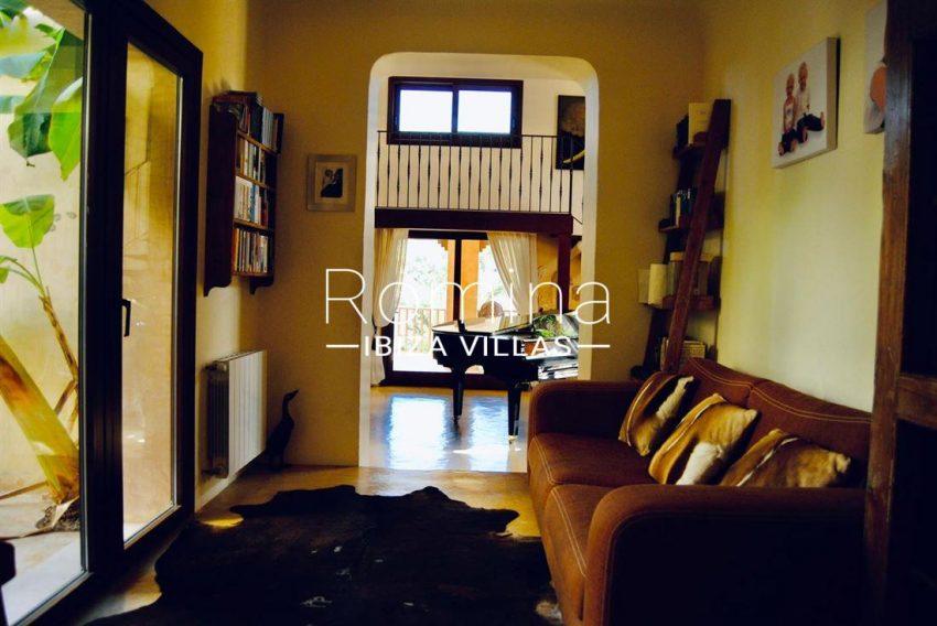 20 1 interior piano