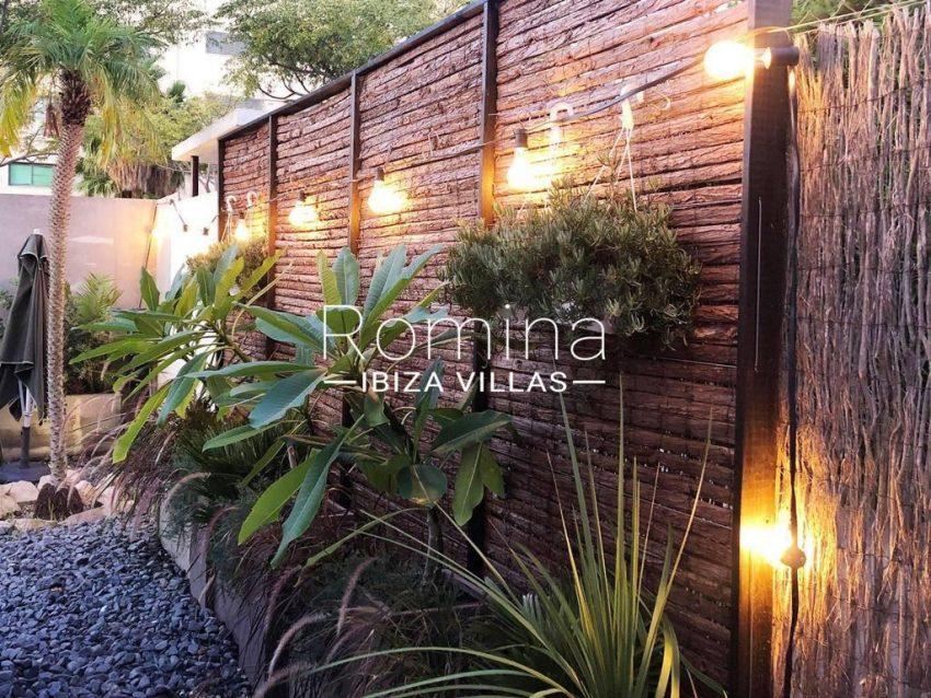 romina-ibiza-villas-rv-801-02-adosado-cosima-2garden lights