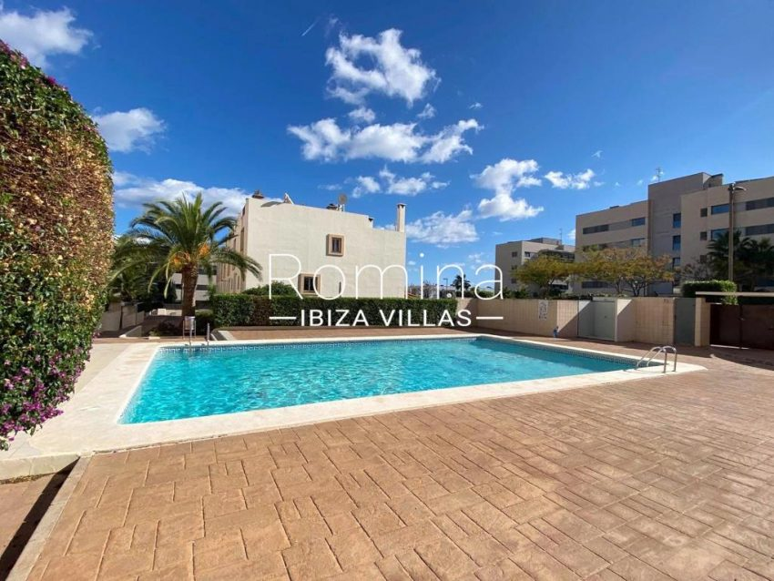 romina-ibiza-villas-rv-801-02-adosado-cosima-2pool terrace