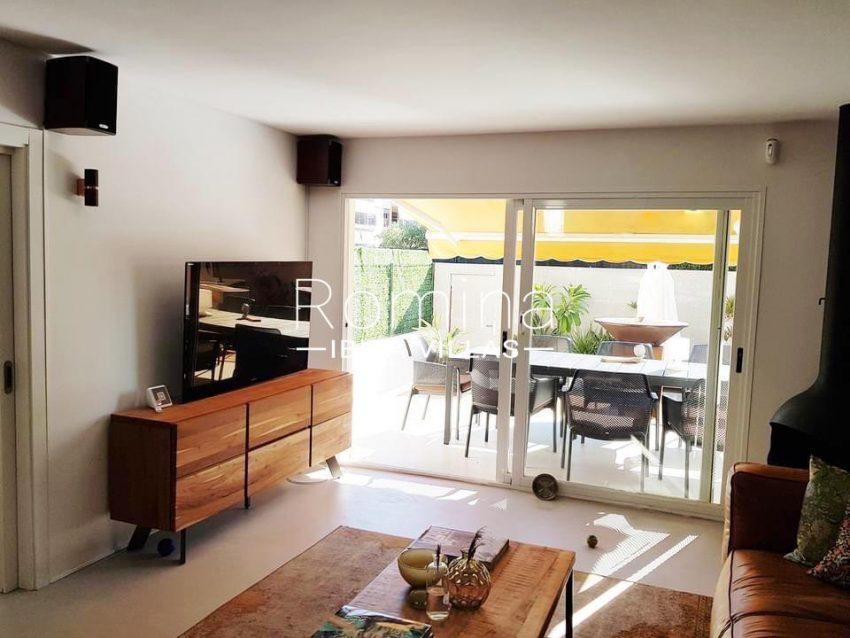 romina-ibiza-villas-rv-801-02-adosado-cosima-3living room to terrace