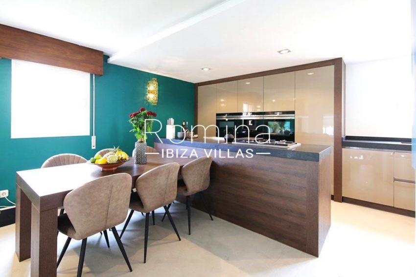 romina-ibiza-villas-rv-801-02-adosado-cosima-3zkitchen dining area