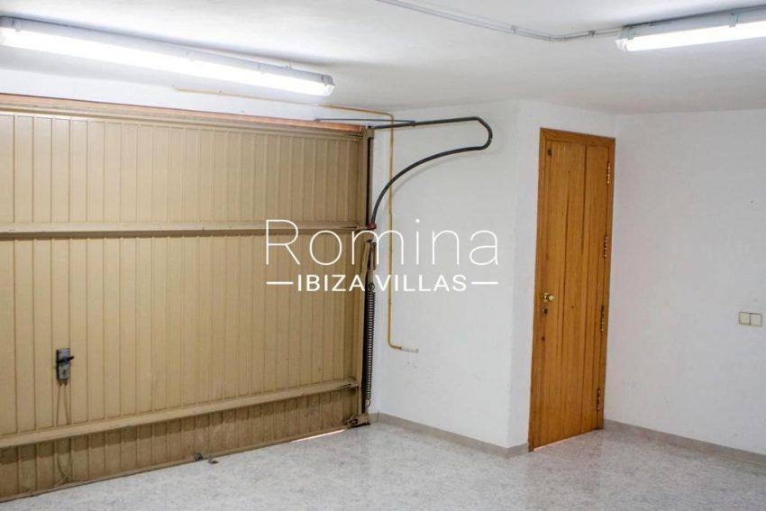 romina-ibiza-villas-rv-801-02-adosado-cosima-6garage