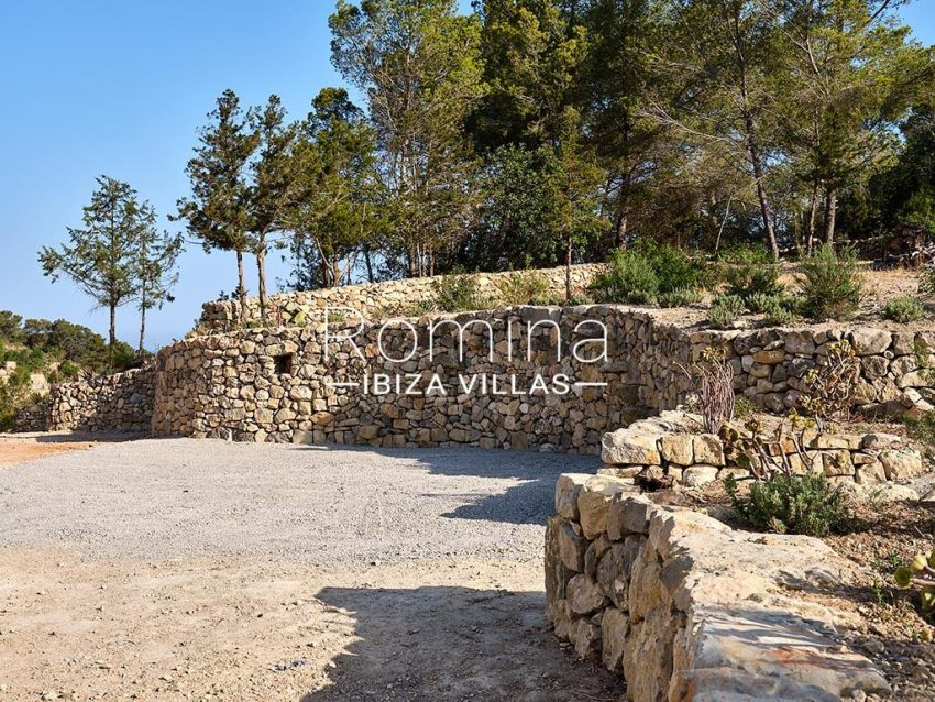 romina-ibiza-villas-rv-806-50-can-paissa-2area stone walls trees