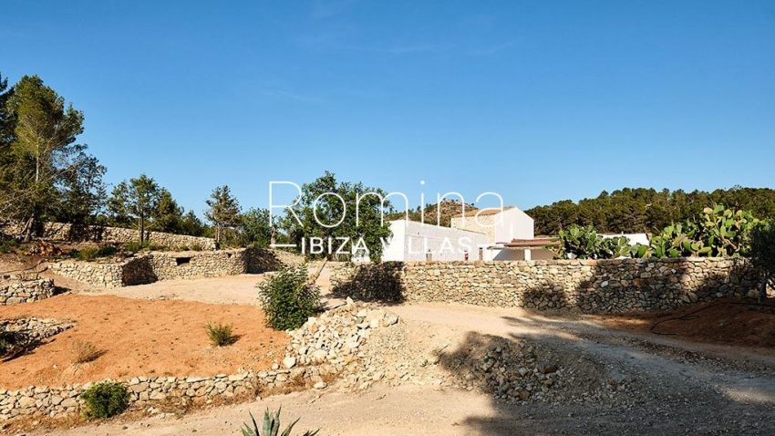 romina-ibiza-villas-rv-806-50-can-paissa-2rear facade terraces