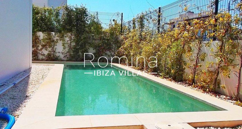 romina-ibiza-villas-rv-810-55-adosado-moderno-2pool