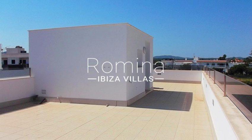 romina-ibiza-villas-rv-810-55-adosado-moderno-2rooftop terrace2