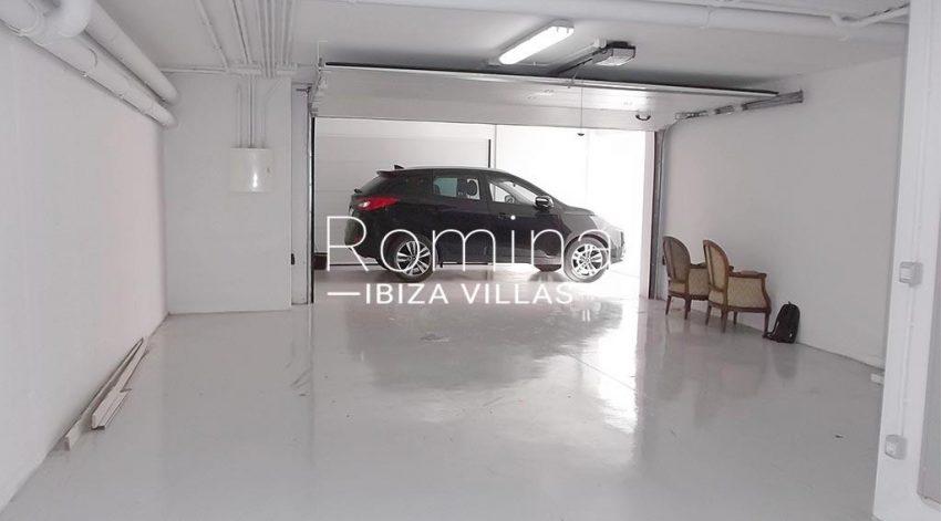 romina-ibiza-villas-rv-810-55-adosado-moderno-6garage