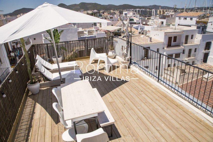 romina-ibiza-villas-rv-811-62-apto-paradiso-1roof terrace view hills roofs