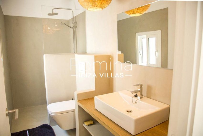romina-ibiza-villas-rv-811-62-apto-paradiso-5shower room