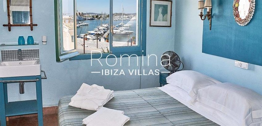 romina-ibiza-villas-rv-813-62-guest-house-andrea-4bedroom turquese blue seaview