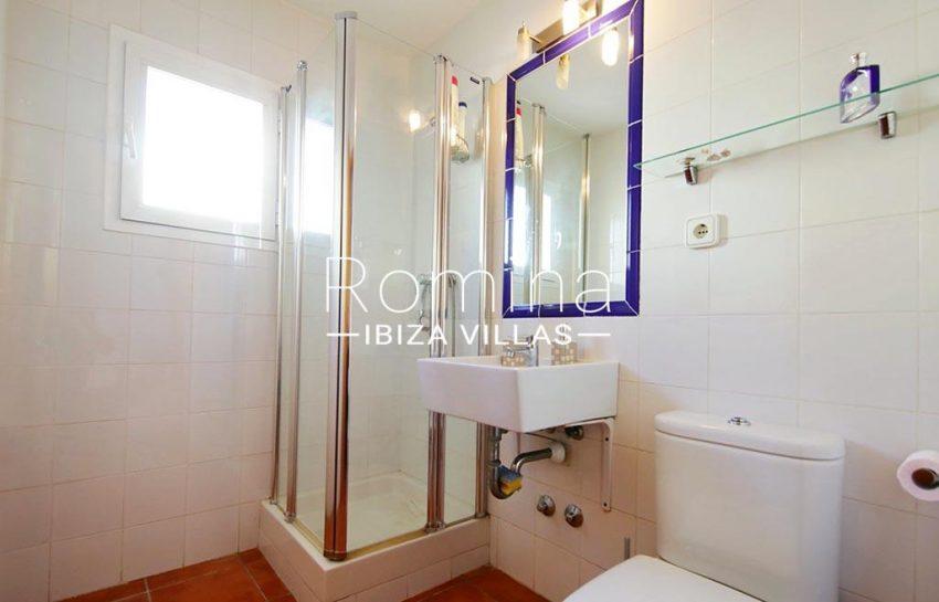 romina-ibiza-villas-rv-819-01-atico-jesus-m-5shower room