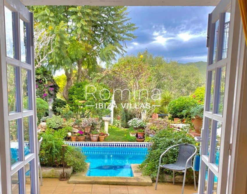 romina-ibiza-villas-rv-822-81-casita-flores-1pool view hill