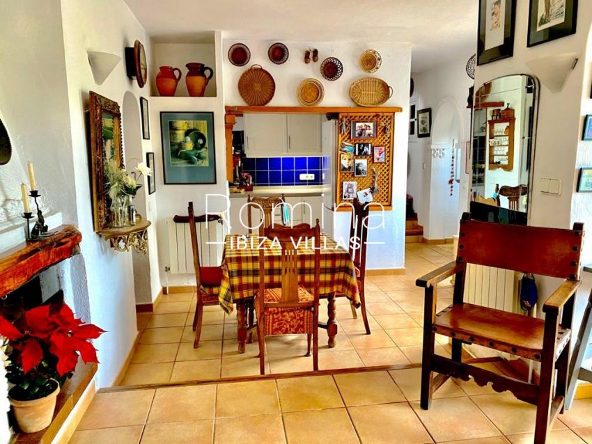 romina-ibiza-villas-rv-822-81-casita-flores-3zdining area kitchen