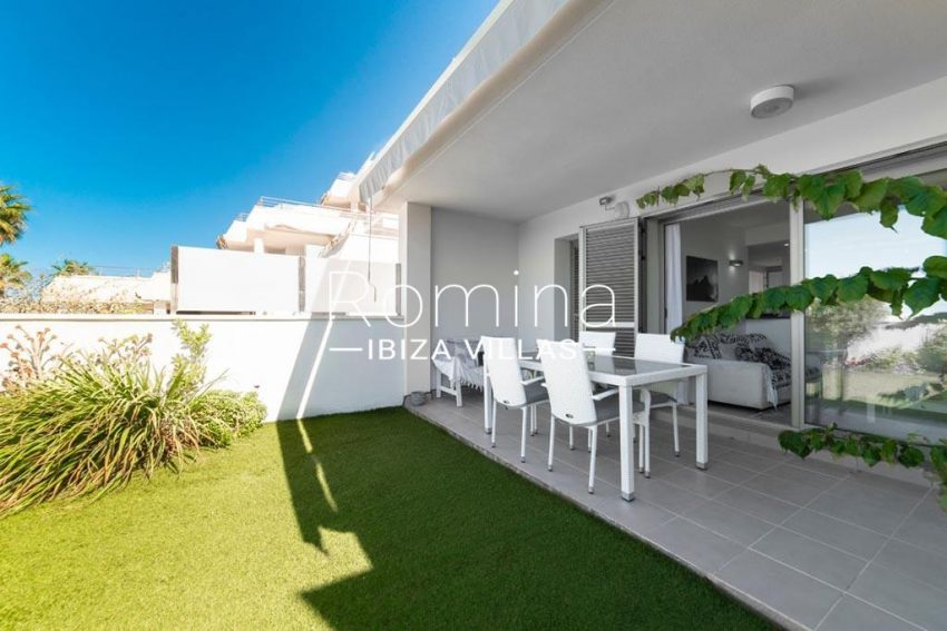 romina-ibiza-villas-rv-823-88-apto-sea-view-2garden terrace