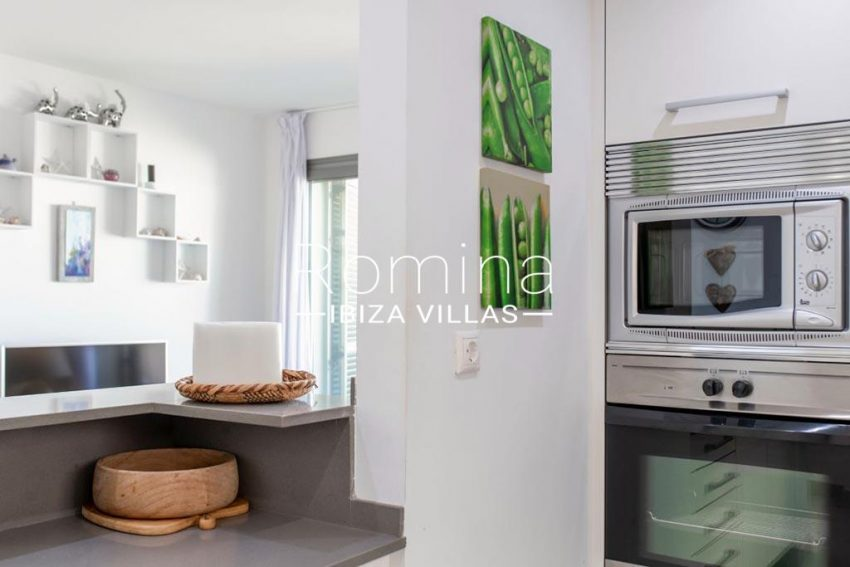 romina-ibiza-villas-rv-823-88-apto-sea-view-3zkitchen3