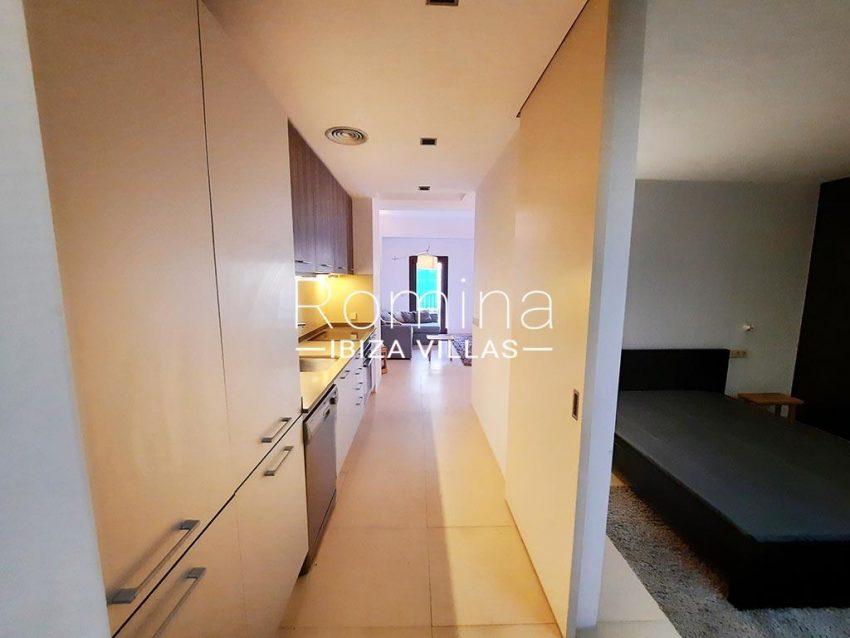 romina-ibiza-villas-rv-824-57-apto patio-3ZKITCHEN BEDROOM