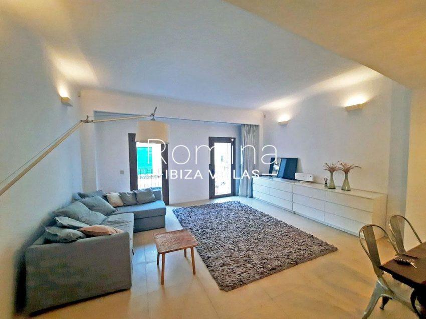 romina-ibiza-villas-rv-824-57-apto patio-3living room3