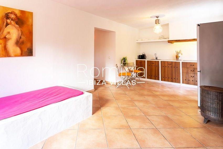 romina-ibiza-villas-rv-826-75-can-zaria-3interior guest house