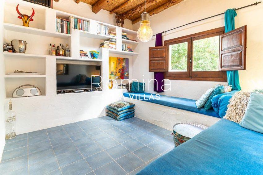 romina-ibiza-villas-rv-826-75-can-zaria-3tv room