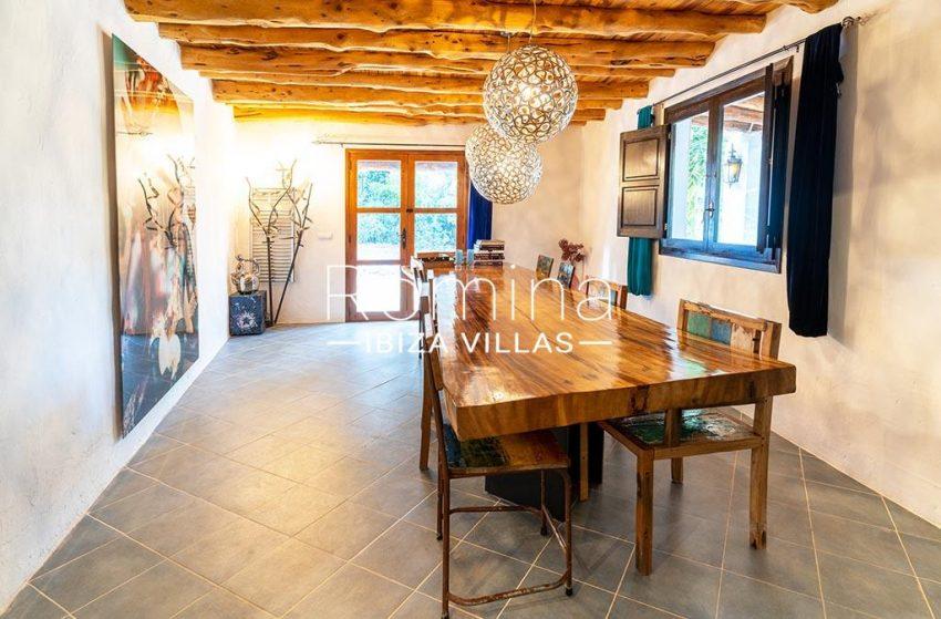 romina-ibiza-villas-rv-826-75-can-zaria-3zdining room