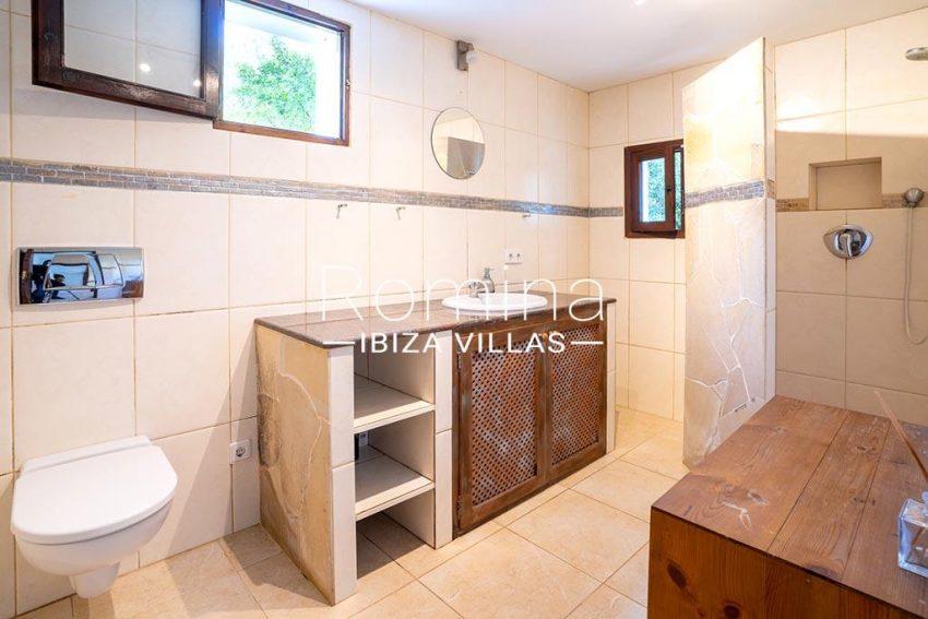 romina-ibiza-villas-rv-826-75-can-zaria-5shower room