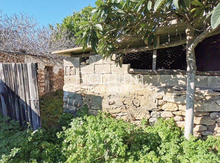 romina-ibiza-villas-rv-829-55-2corral2