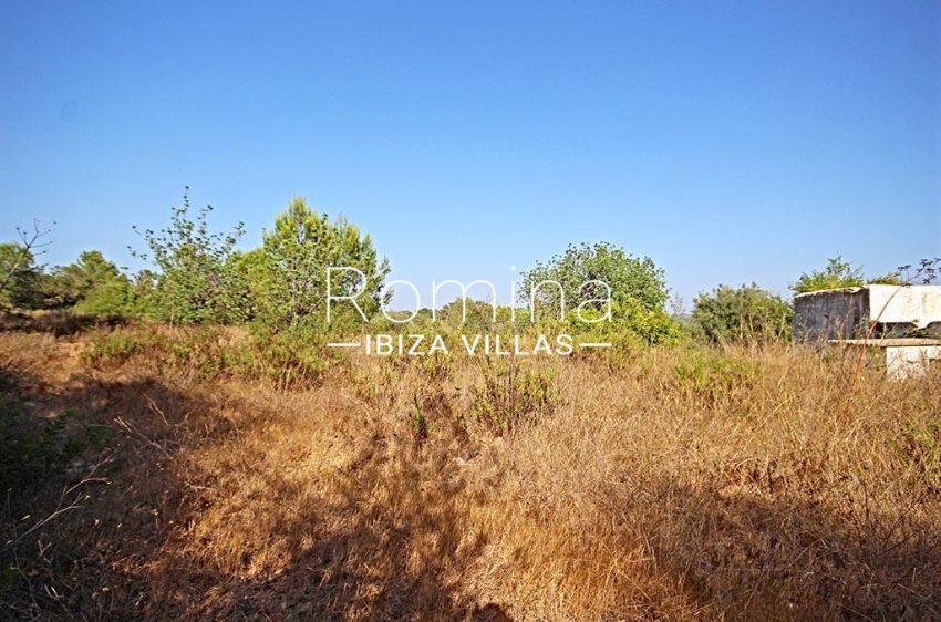 romina-ibiza-villas-rv-829-55-2rear plot2